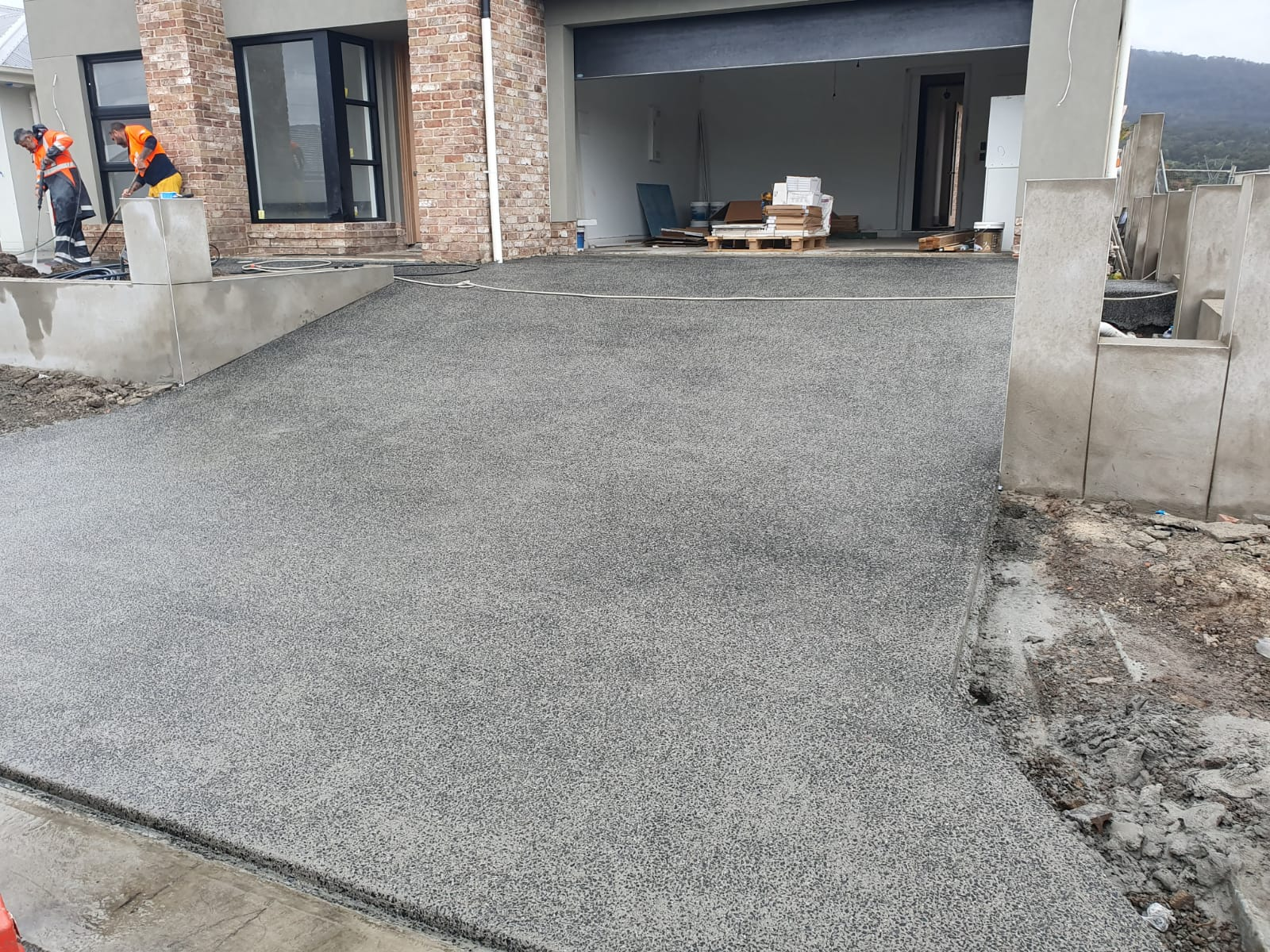 Example of exposed aggregate concreted driveway